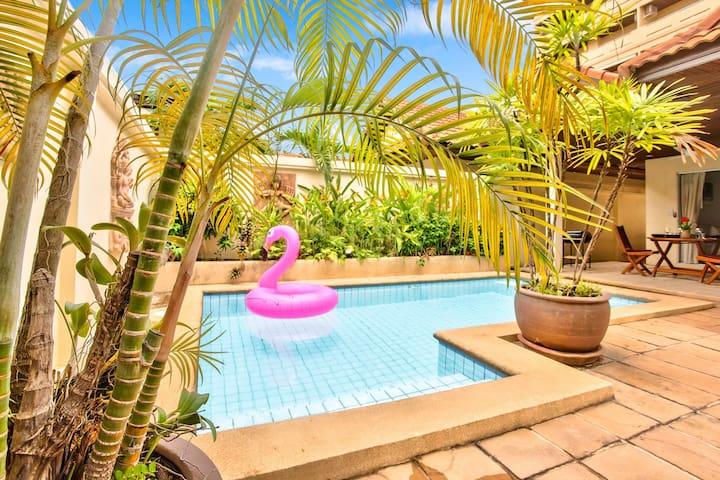 Pool Villa Pattaya - View Talay