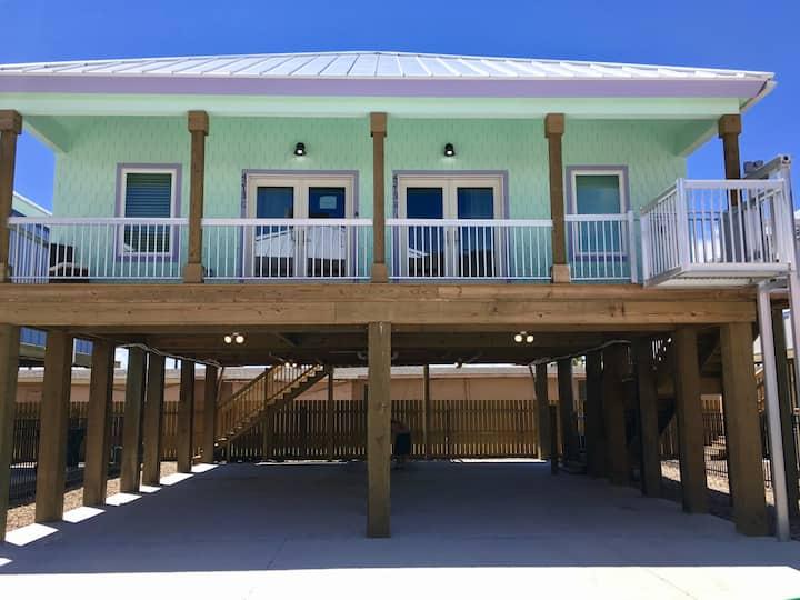 Jewel Box Beach Cottage B Duplex-Summer Getaway
