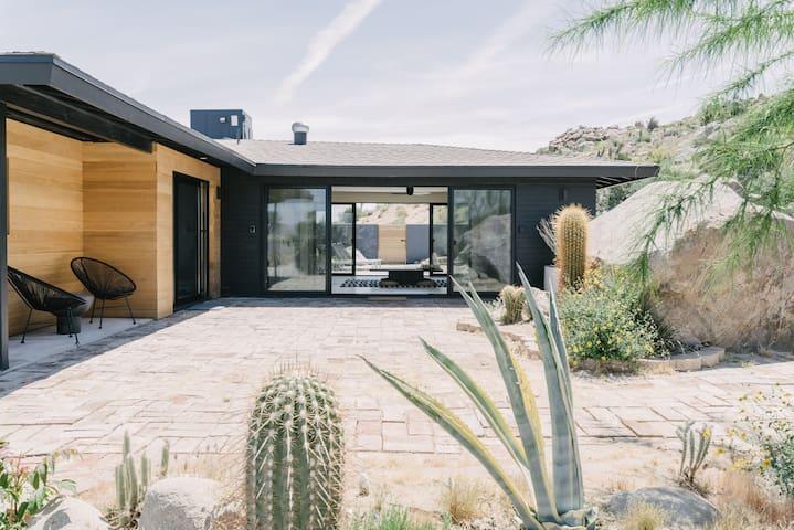 Villa Kuro - A Serene and Minimal Hideaway