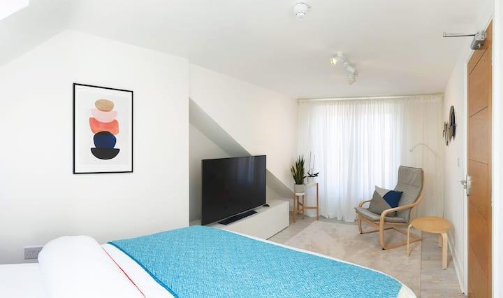 Luxury, Modern, Fantastically clean  Room