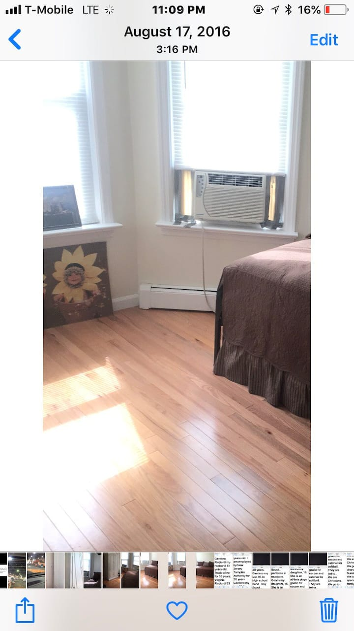 Easy access to New York ! Clean, quiet room