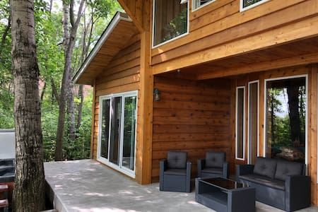 Incredible Lakefront Cabin Hottub/Steam Sleeps 22+