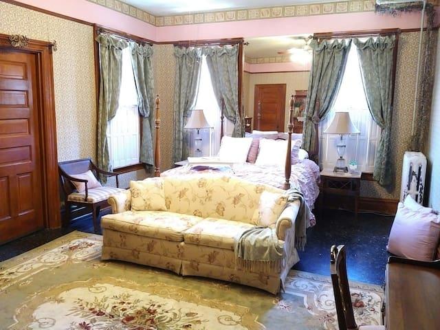 The Jane Austen in Robin's Nest - Go Back In Time