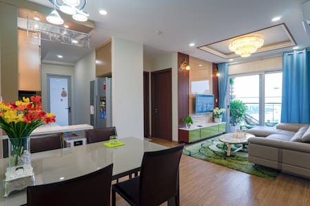 Sun wheel view- 2 BR APT in Halong center