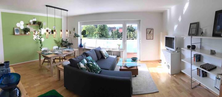 Moderne 2 Zimmer Wohnung, mit Balkon - wie zu Haus