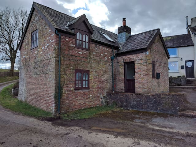 Rural Cottage at Waun-Yr-Ewig