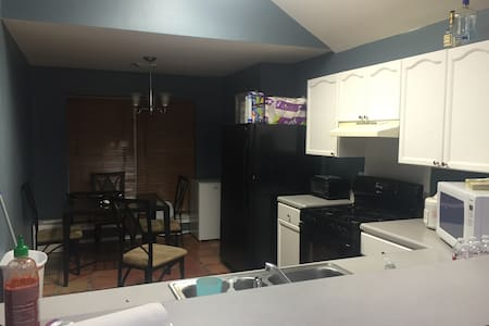 1 or 2 bedroom open for stay