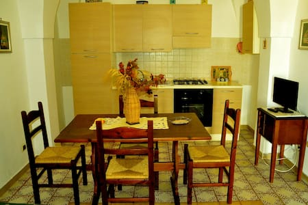 Masseria Triglie, Arabesco