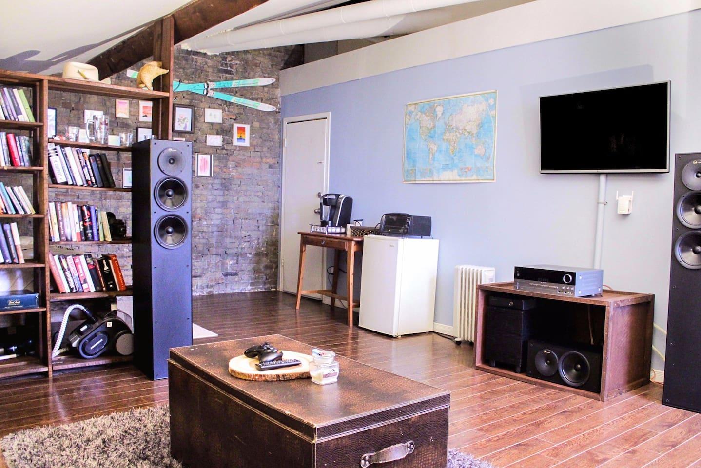 cozy boutique style loft located downtown london lofts for rent
