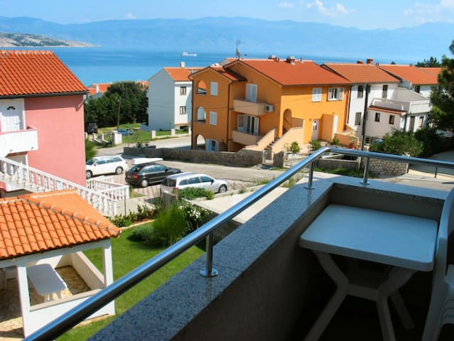 Apartment Crn Zarok I - Baška - Appartement