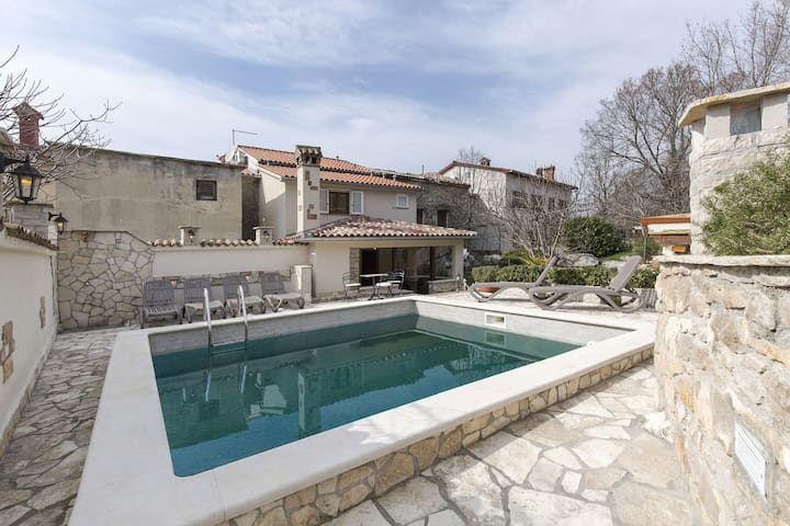 Authentic Istrian stone house Gianni with Pool - Vozilići - 단독주택