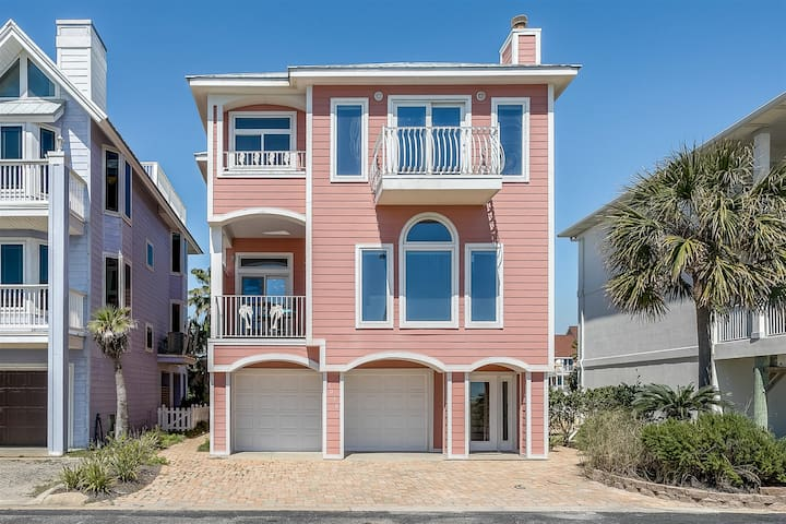 Gorgeous Gulf Front- Canal Home/4 bedroom 3 Bath