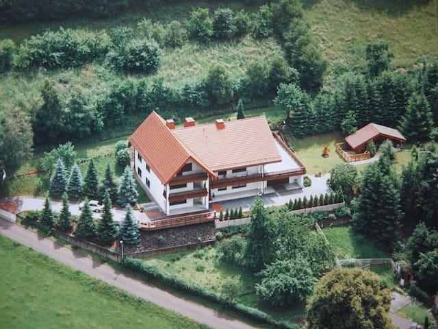Ferienwohnung Sonnenblick (EG) 90 qm - Heringen (Werra)