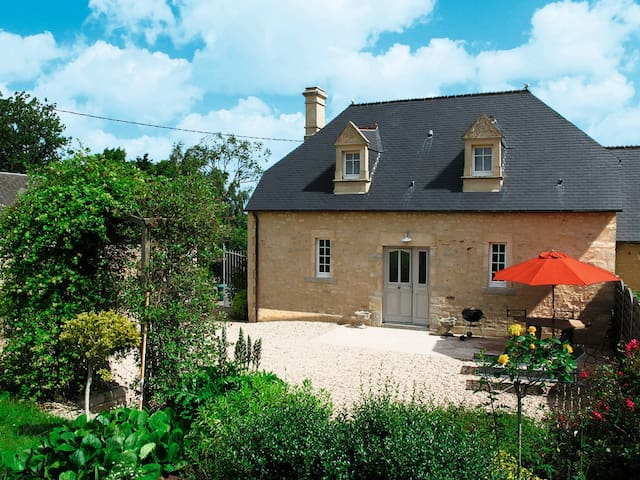 Holiday home in Monfreville - Monfreville