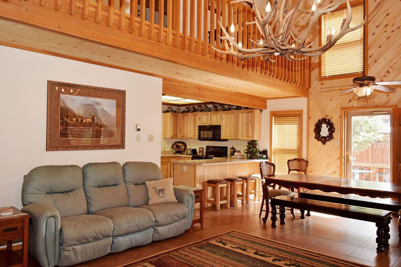 Deer Mountain Lodge Living Room