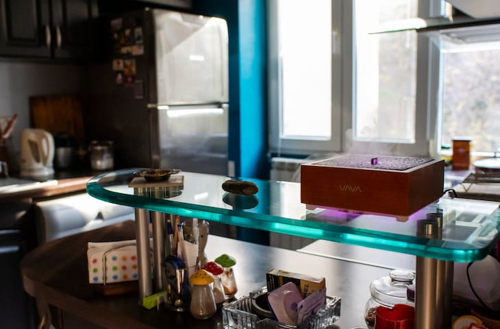 Kitchen with essential oil diffuser