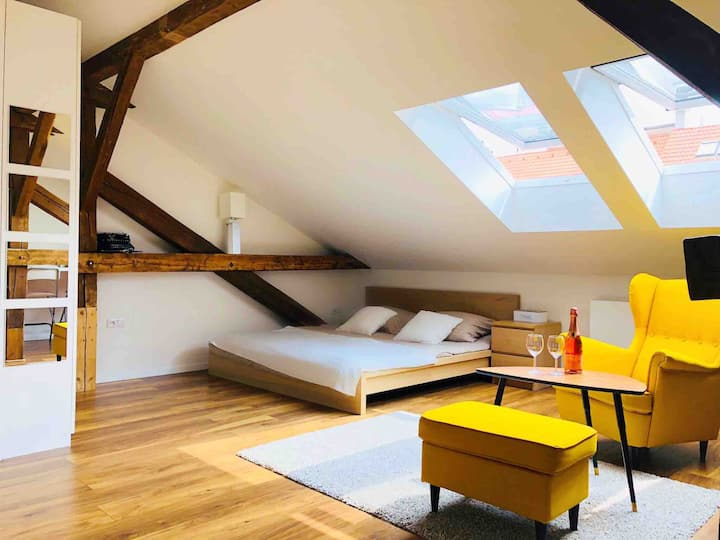 ❤️ Lovely loft ❤️ 10m OLD TOWN ✈️ airport ✈️ VESPA