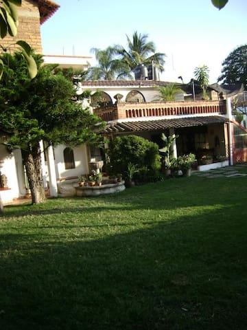 Habitacion amueblada Cuautla - Cuautla - Huis