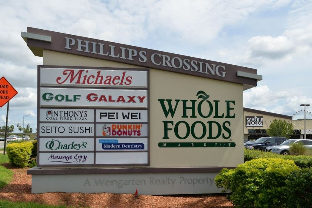 Conveniently located walking distance to many shopping and dining areas.
