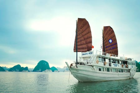Overnight Halong Cruise with transfer and kayaking - Hạ Long - Zomerhuis/Cottage