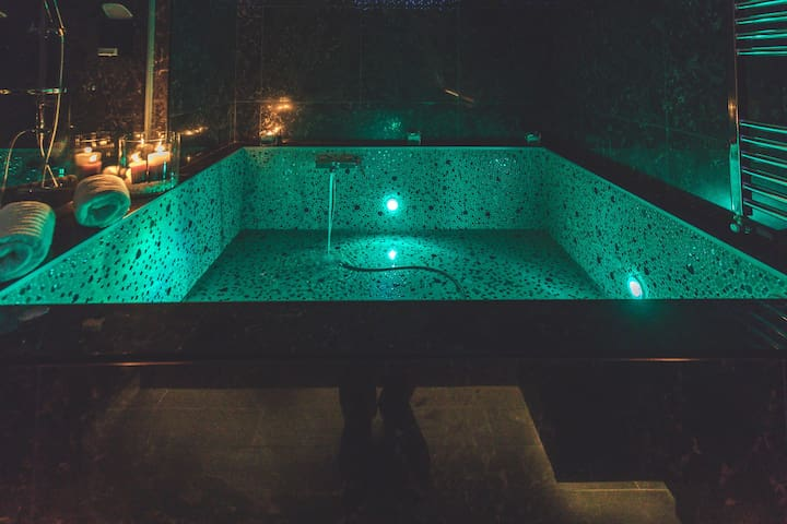 A glimpse of the hot tub