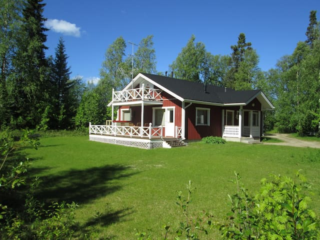 Nice house in a peaceful area, nearby Ivalo centre