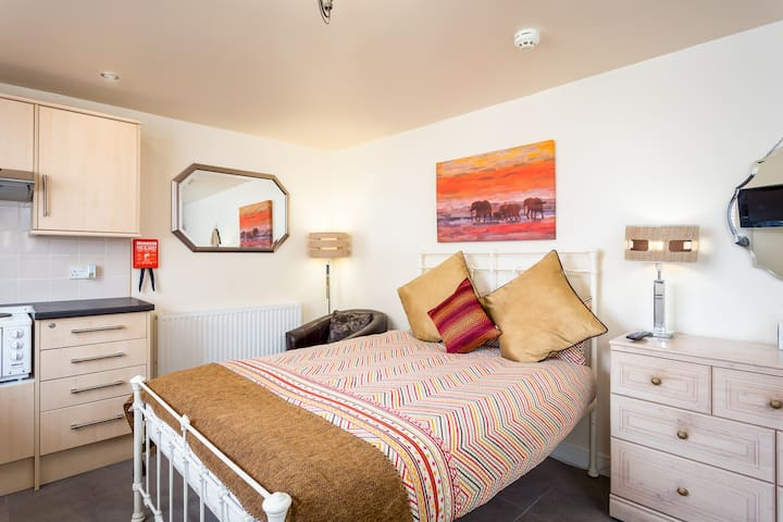 Arden Street, Self-catering Studio
