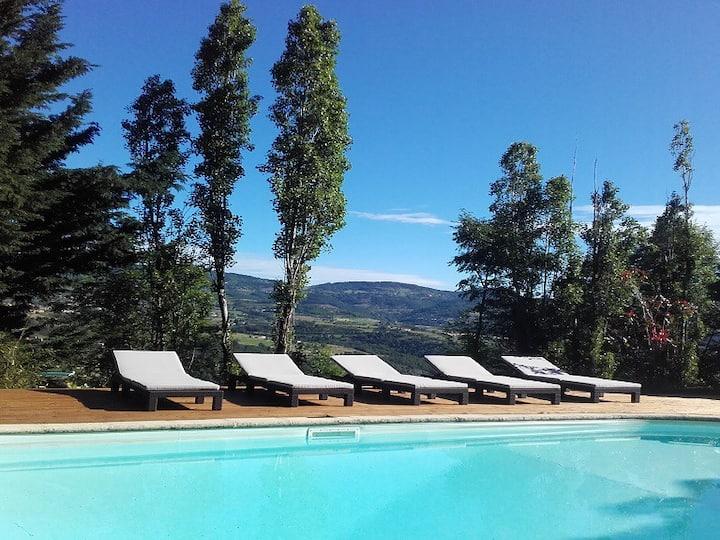 Maison en pleine nature, piscine chauffée, Spa