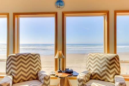 Charming oceanfront, dog-friendly house near the beach!