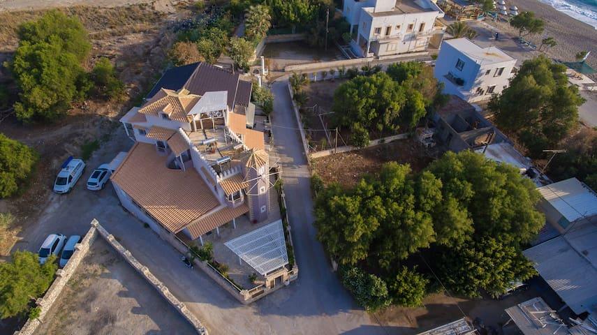 Milos:green apartmnent