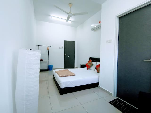 Penang HomeStay Queenbed Room