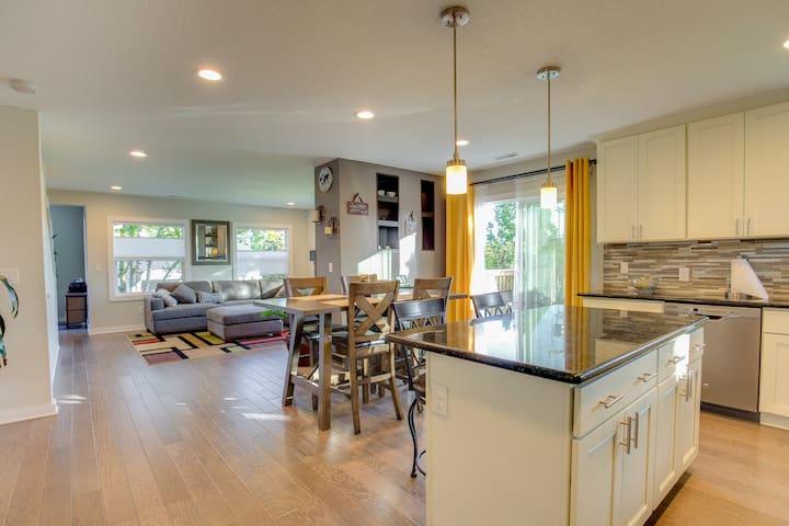 Oak Grove Getaway Suite #4