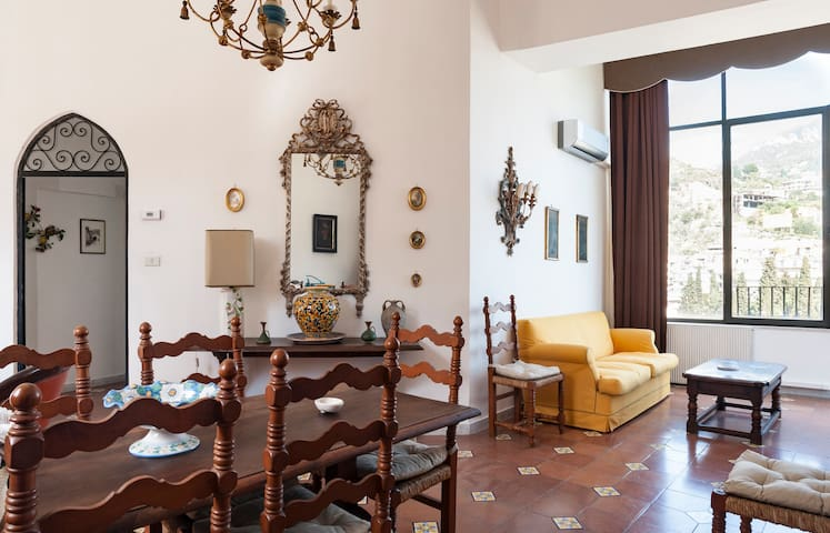 Charming house in Taormina