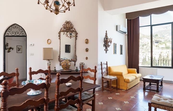 Charming house in Taormina