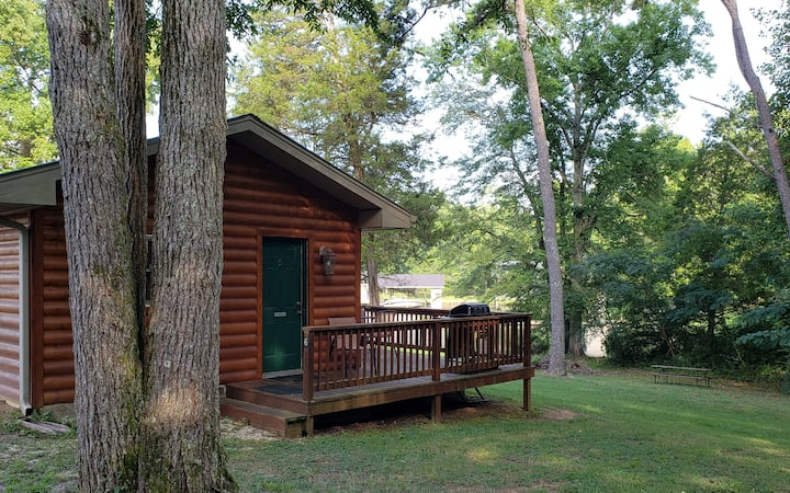 Woodsy Efficiency Cabin 6- On Watts Bar Lake!