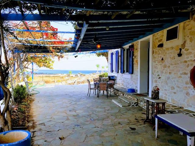Antony's Villa Molos