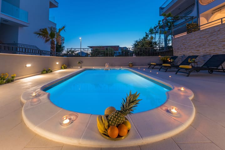 Villa Seaview with pool - Apartment Yellow