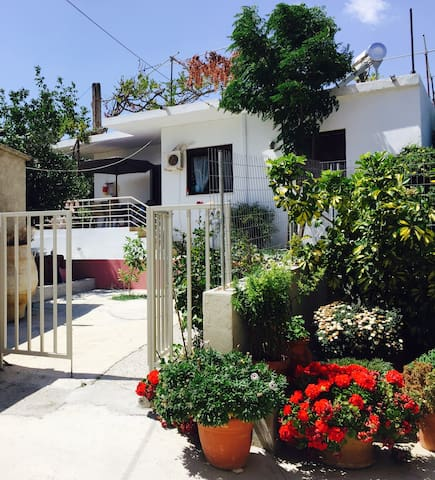 Beautiful Family Villa 140m2 with big garden