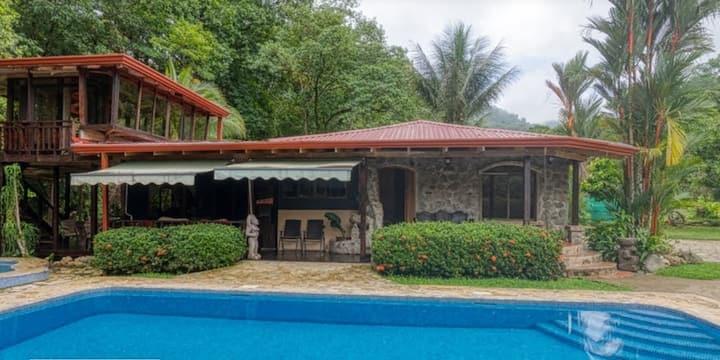 Ojochal Starfruit House