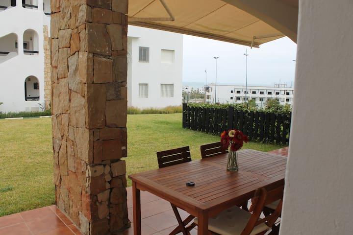 Alcudia Smir - planta baja con terraza - Fnideq - Apartemen