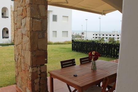 Alcudia Smir - planta baja con terraza - Fnideq - Wohnung