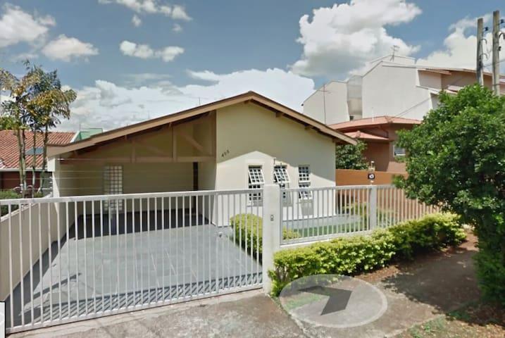Quarto individual casa próx Unicamp bem localizada