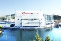 Short walk to the Budweiser Stage for concerts