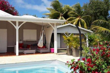 Bungalow de rêve sous les cocotiers - Le François - Cabana