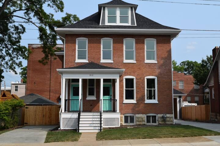 Cedar House, Suite A