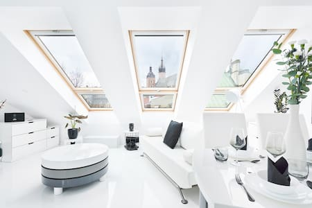 LUXURY disinfected LOFT in CENTRE/OLD TOWN-Netflix