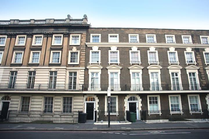 BEAUTIFUL GARDEN APARTMENT IN LONDON'S SOUTH BANK