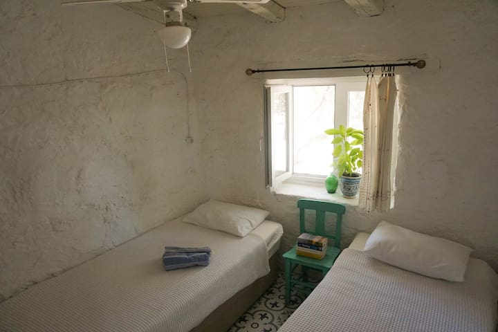 Authentic private room with shared bathroom