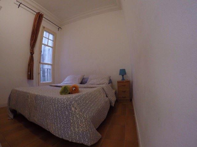 Nice room (Near Plaza Espanya)