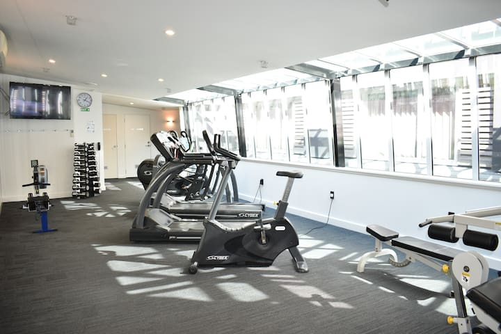 Guests have access to the well equipped gym and sauna